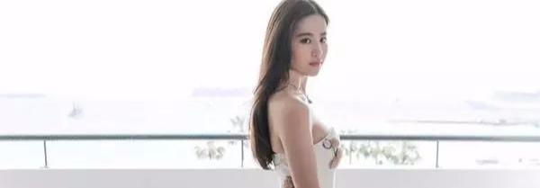 原来10年前的刘亦菲这么性感,热舞不输韩国女