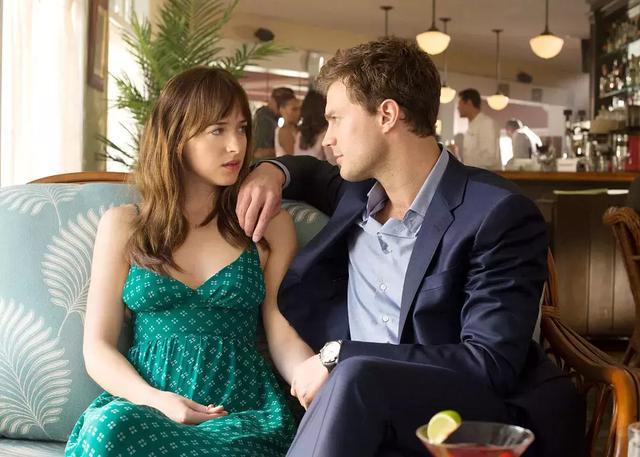 《五十度灰》:安娜为什么会离开格雷?男主